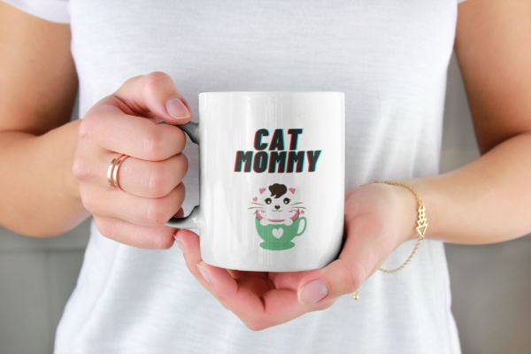 cat mommy